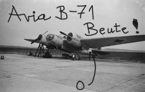 Чешский Avia B-71 б/н 0 уже с Balkenkreuz