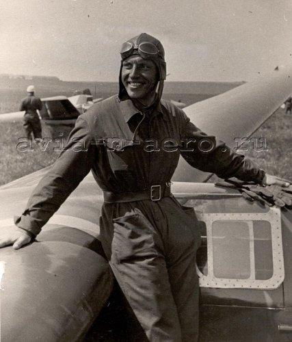 Мастер советского планеризма И.Л. Карташев, Тула, июль 1939