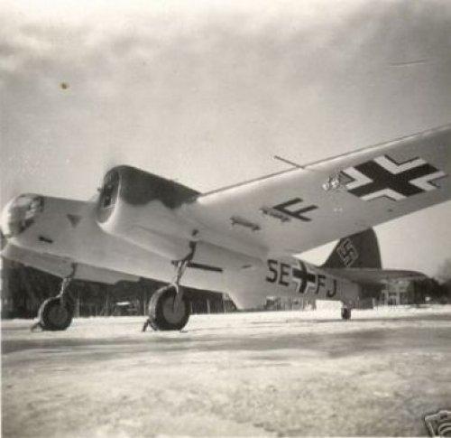 Avia B-71 б/н SE+FJ